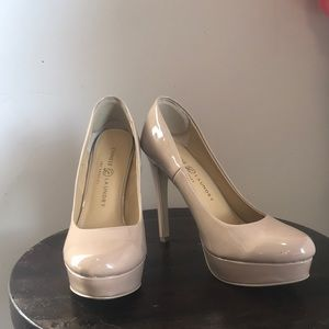 Chinese Laundry Shoes - Chinese Laundry Nude colored pumps EUC